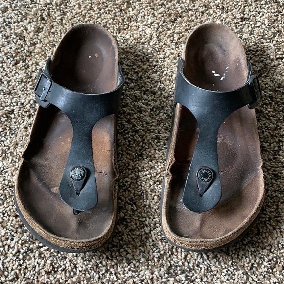 Birkenstock's black gizeh thong sandal Birk 38